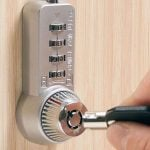 COMBI CAM ULTRA 7432 - Chrome - Shown installed with optional key (not included)