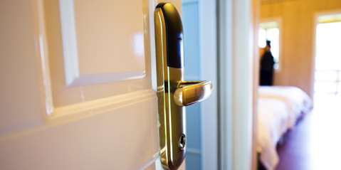 How Keyless Locks Help Boutique Hotels and Rental Property Owners Ease Guests' Security Concerns